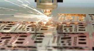 Fertigungserweiterung um die Laserschneidanlage
